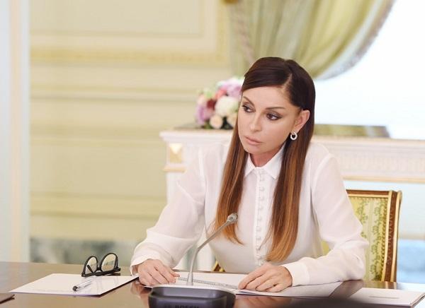 Мехрибан Алиева обеспечила ветеранов протезами - Видео