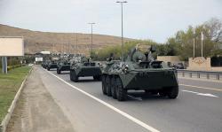 Турция продолжает стягивать бронетехнику к границе