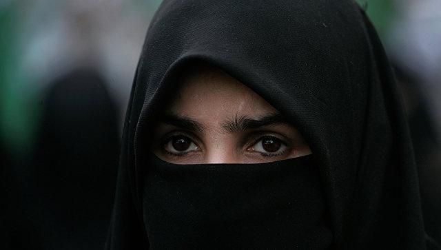 В Алжире женщинам запретили носить никаб на работе