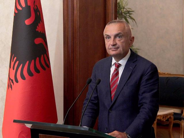 او، آلبانییانین پرزیدنتی اولدو