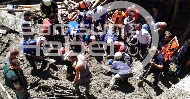 Türkiyədə məscid çökdü: 3 nəfər öldü