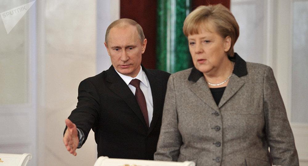 Путин и Меркель провели переговоры