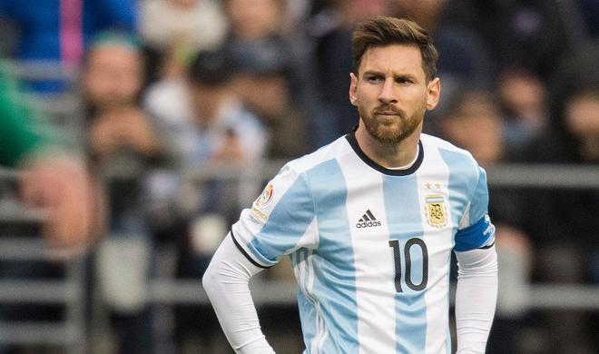 Messi suspends his career in Argentina national team