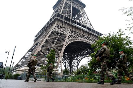 Fransada koronavirusu kilsə yaydı - İlginc iddia