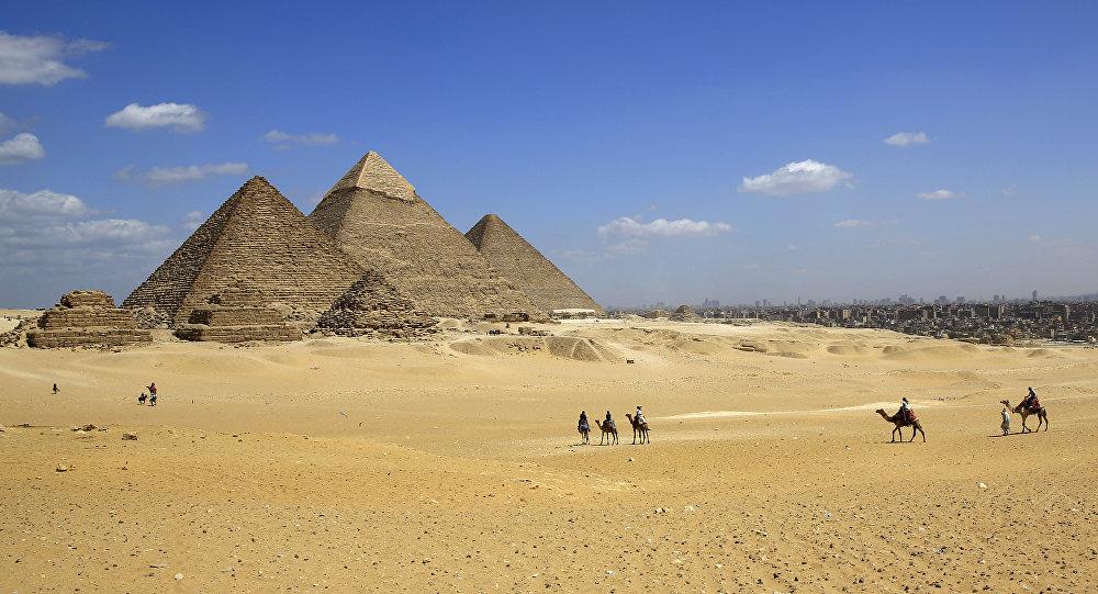 Взрыв произошел возле пирамид в Египте