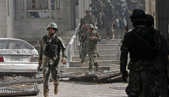 کابلدهکی تراکتین مسئولیتینی طالبان اوزرینه گؤتوردو - ۳۵ اؤلو
