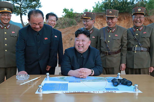 Kim Jong asks officials to strengthen the military might