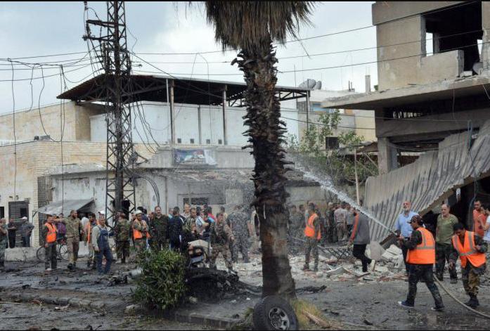 Car bomb explodes, kills 4