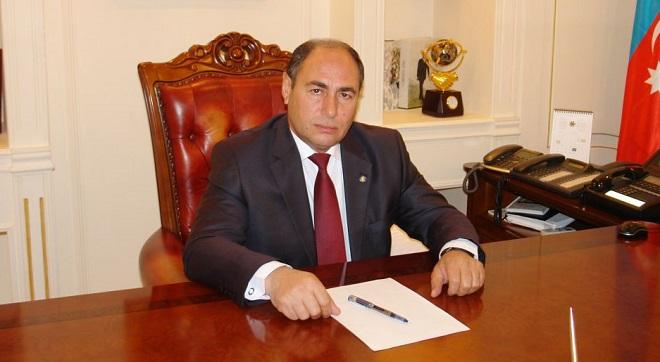 Başçı Heydər Əliyev prospektini bağlatdırdı - Foto