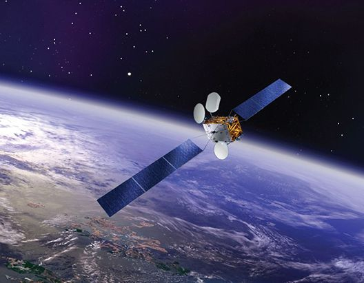 Canadian military to launch 3-satellite system