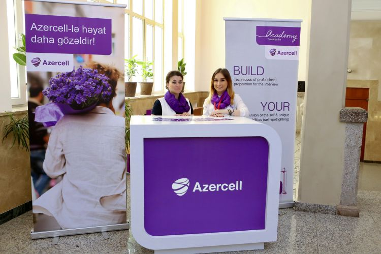 """""""Azərsell"""" Karyera Sərgisində iştirak etdi - Foto"""