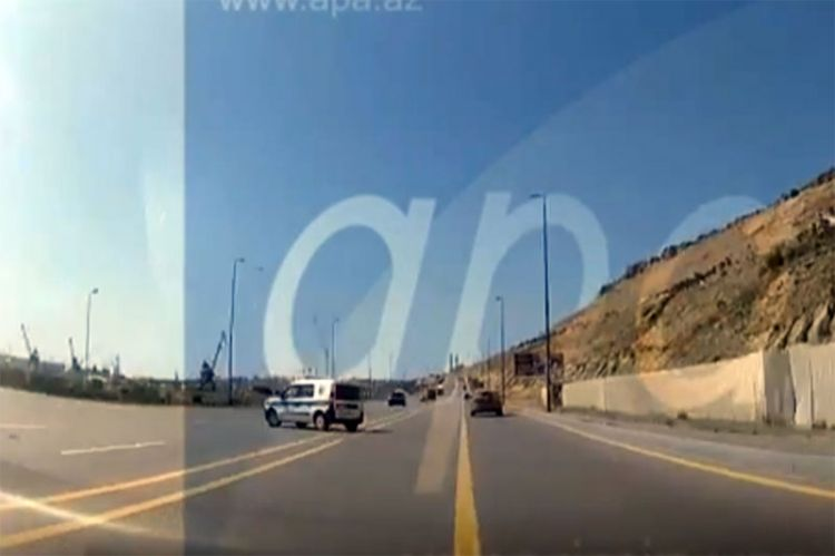 Polisin öldüyü dəhşətli qəza anının - Videosu