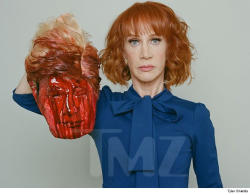 US comedian Kathy Griffin has surgery after lung cancer