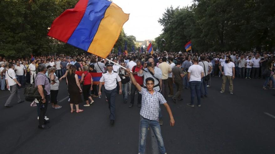 """Ermənistanda """"Nairit"""" işçiləri yeni aksiyaya başladı - Video"""