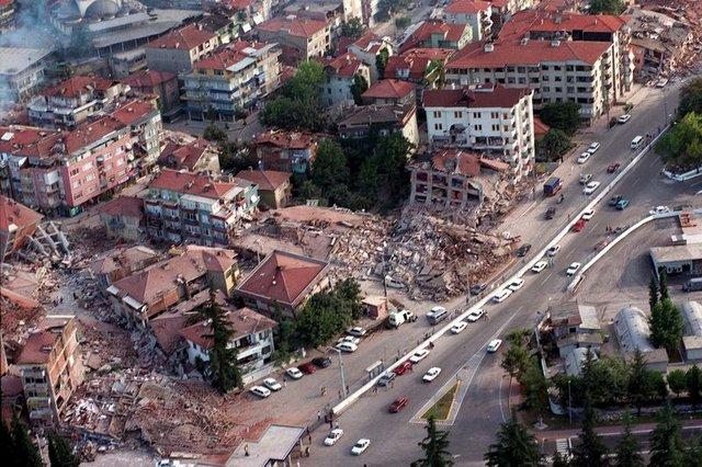 ایستانبولدا داغیدیجی زلزله: هر آن اولا بیلر – رصدخانا