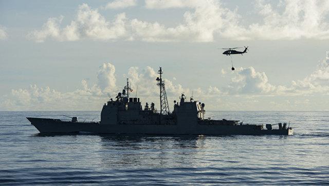 Gərginlik: ABŞ kreyseri rus gəmisinin qarşısını kəsdi
