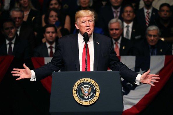 ترامپ اونلارین اوردویا چاغیریلماسینی قاداغان ائتدی