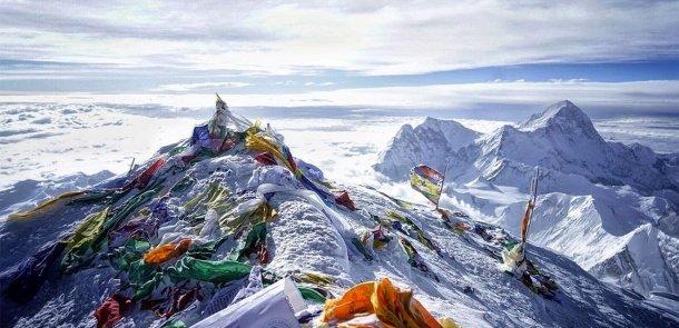 Qardaş ölkədə faciə: 3 alpinist qar uçqununa düşdü