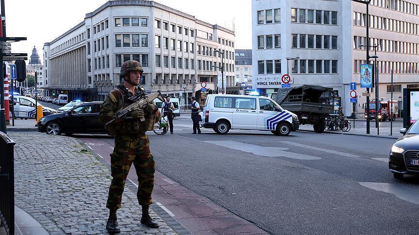В Бельгии мигрант напал на прохожих