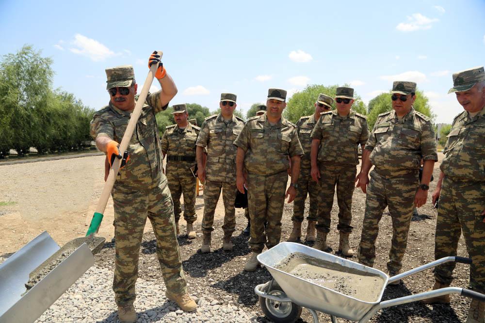 В прифронтовой зоне открылись военные городки - Видео