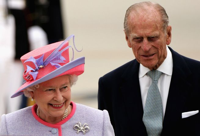 A statue will be erected to the Queen's dead husband