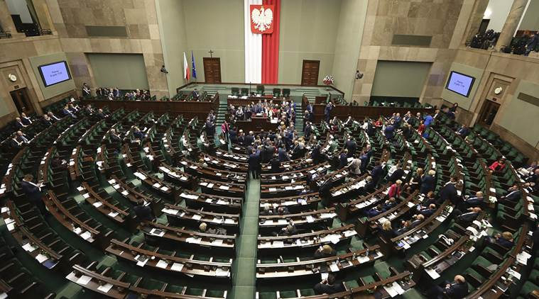 Сейм Польши выразил вотум доверия правительству