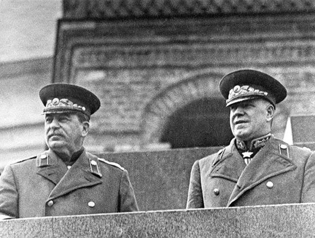 Rusiyalılar bu məşhur generalları seçdi