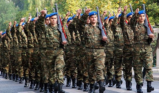 Yunanıstan hərbi xidmət müddətini artırdı