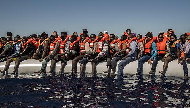 Ирландский военный корабль спас более 700 беженцев