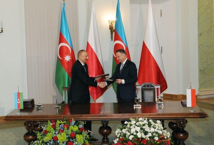 Азербайджан и Польша подписали документы