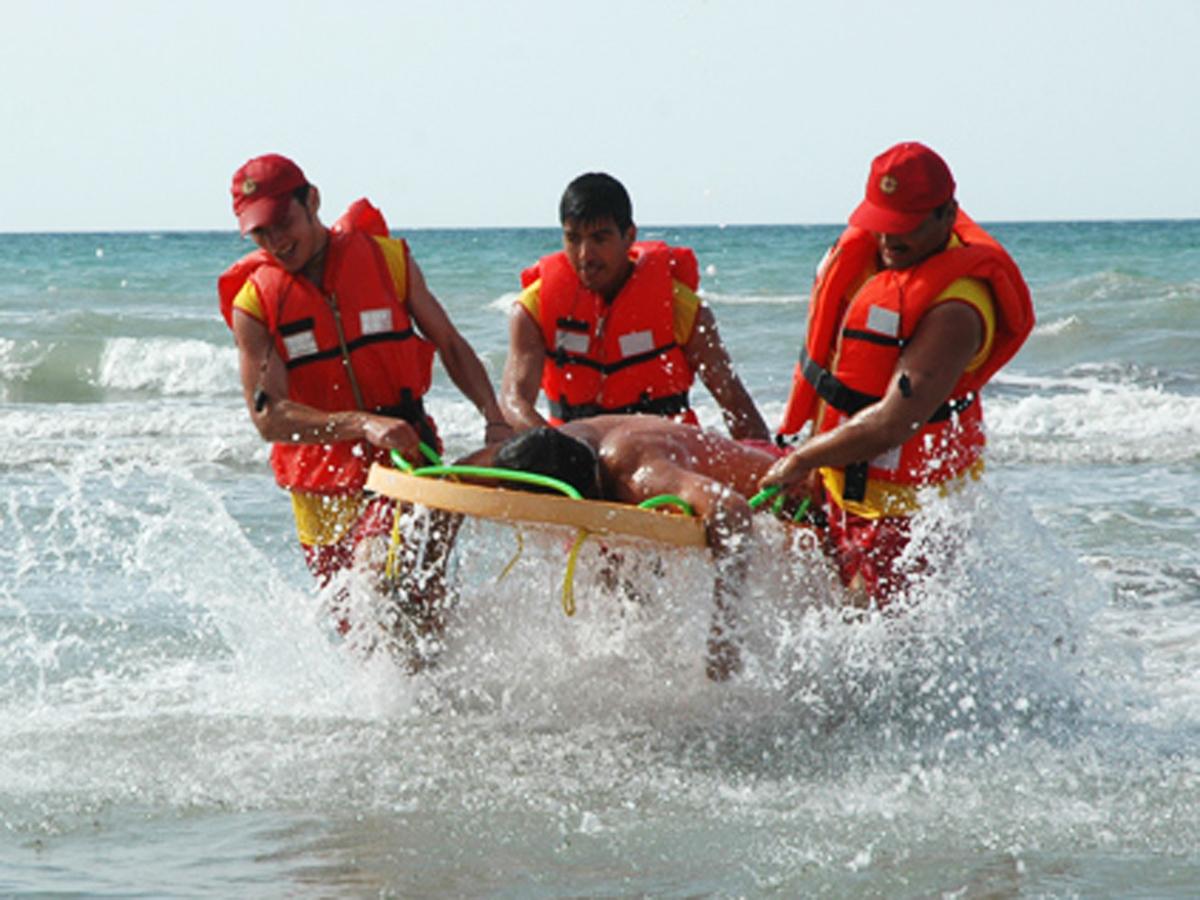 Bakıda 2 nəfər dənizdə batdı: axtarış başladı