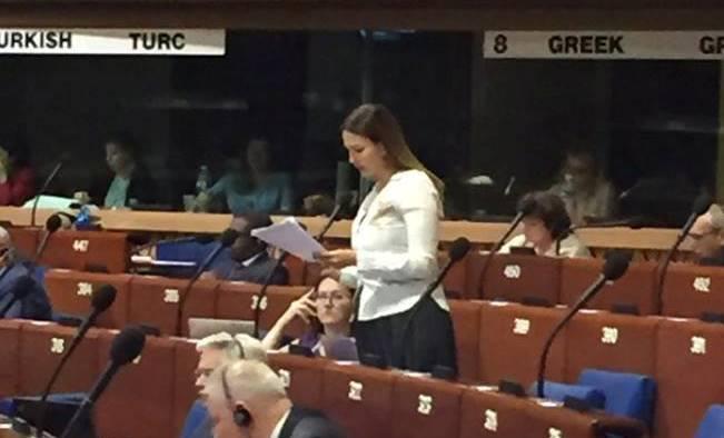 میللت وکیلی آوروپا شوراسی پارلامنتینده ارمنینی بئله سوسدوردو