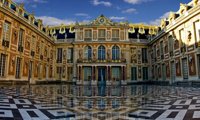 Макрон созывает конгресс парламента в Версале