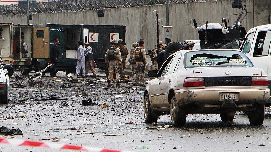 Подрыв микроавтобуса в Афганистане: 9 погибших