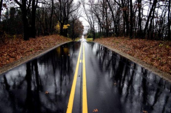 Как ездить по мокрой дороге