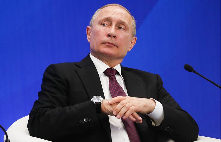 Жители Латвии обратились к Путину
