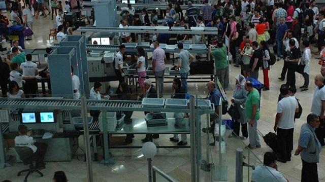 Hava limanlarında itən əşyalar bu mağazada satılır - Video