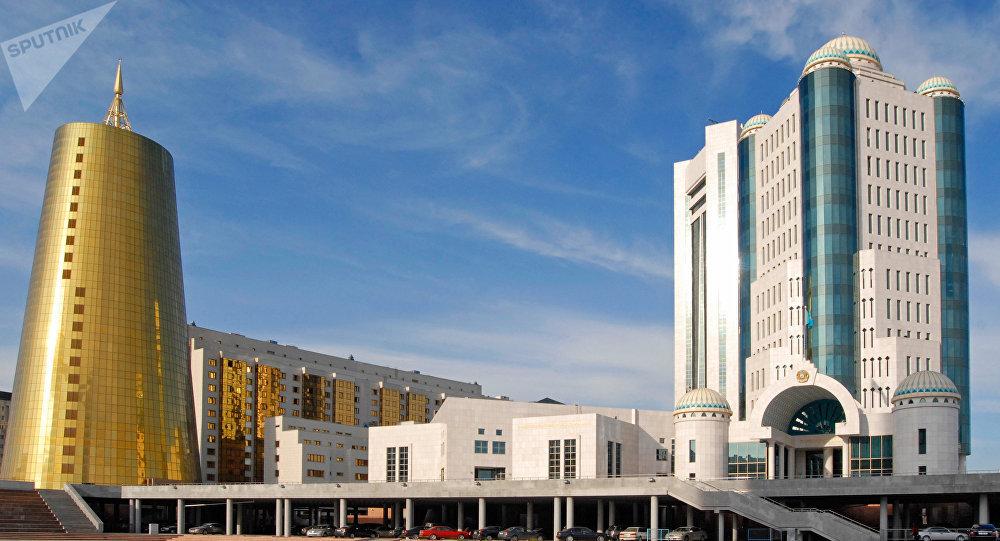 Казахстан отказался от бензина России