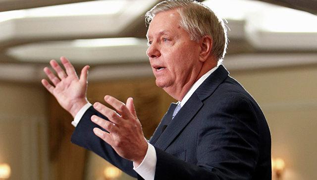 Senatordan şok təklif: İranın neft obyektlərini vuraq