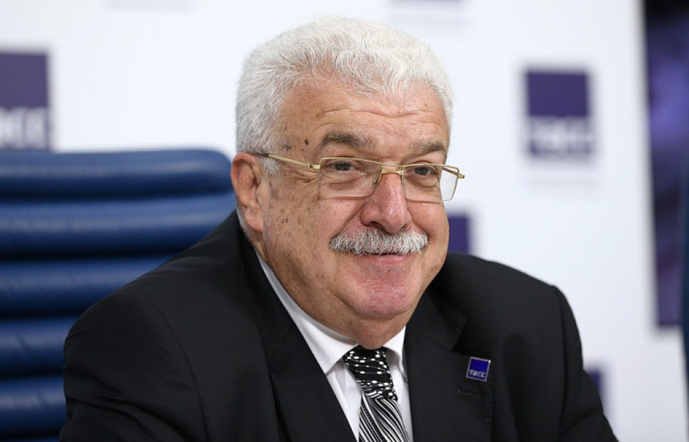 Əli Əsədov Mixail Qusmanla görüşdü
