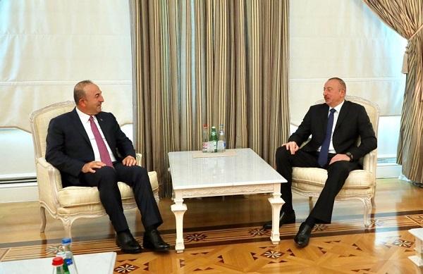 Ильхам Алиев встретился с Чавушоглу