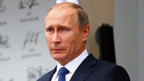 Benzin Putinin nüfuzunu aşağı saldı
