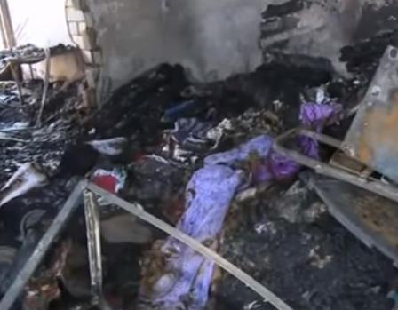 Bərdə bazarında 12 mağaza yandı - Video