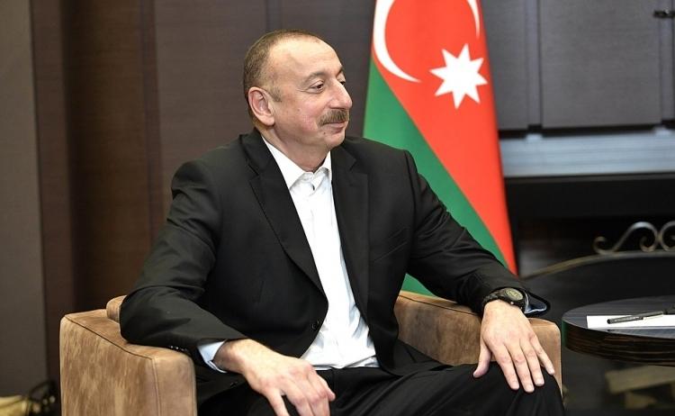 Король Саудовской Аравии поздравил Ильхама Алиева