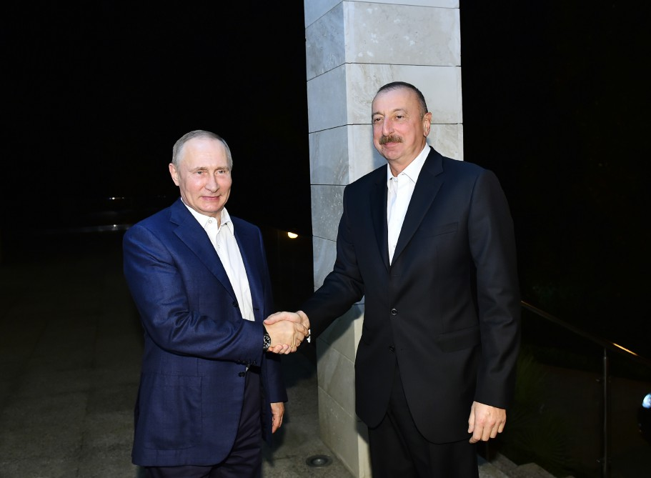 Putindən Əliyevə: Böyük planlarımız var...