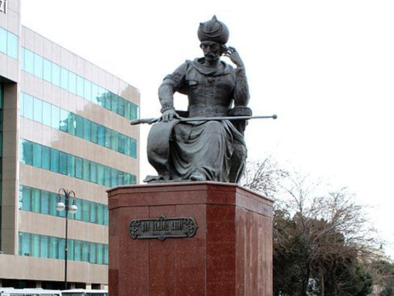 شاه اسماعیلین هیکلی گؤتورولور - رسمی