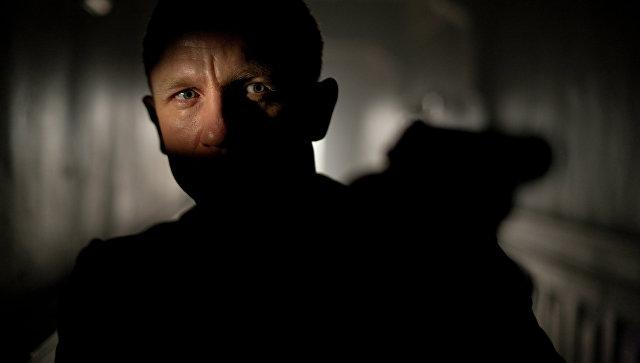 Netflix и Apple осудили показ нового фильма о Бонде