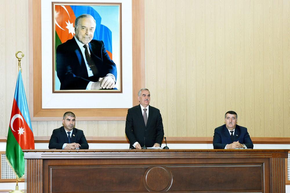 Naxçıvan Konstitusiyasını dəyişir - Foto