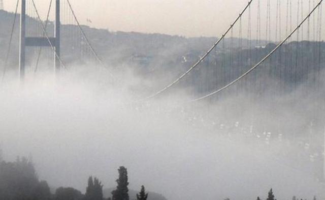 Kəskin hava şəraiti İstanbulda həyatı iflic etdi - Video