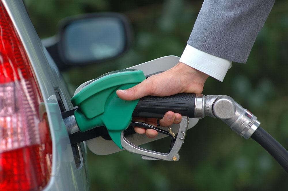 Qazaxıstanda benzin bahalaşdı